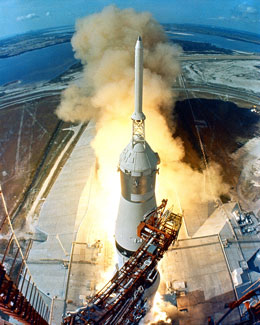 Apollo-11-liftoff